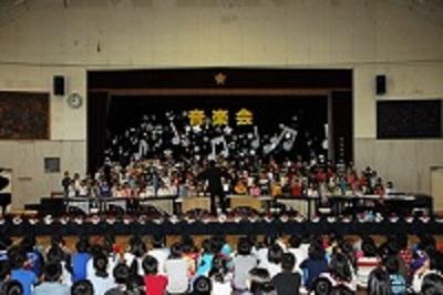 平成26年度 園和小学校音楽会 - ...